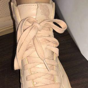 d5b4d7f5bc Vans Shoes - NUDE VINTAGE 🍁 Van High Tops